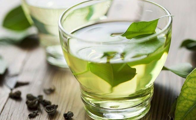 Uống trà xanh có tác dụng phòng bệnh đối với người cao tuổi